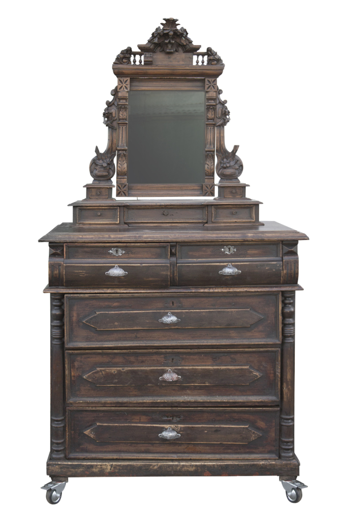 august_commode_1