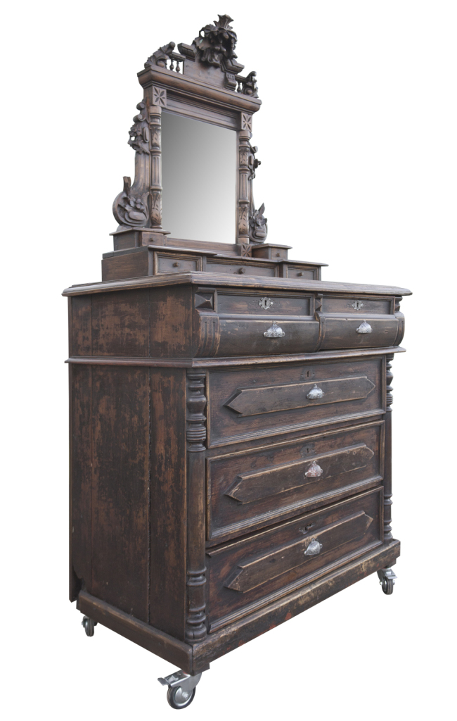august_commode_22