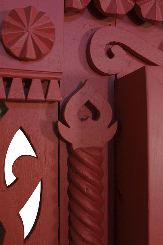 august_portal_red_04a